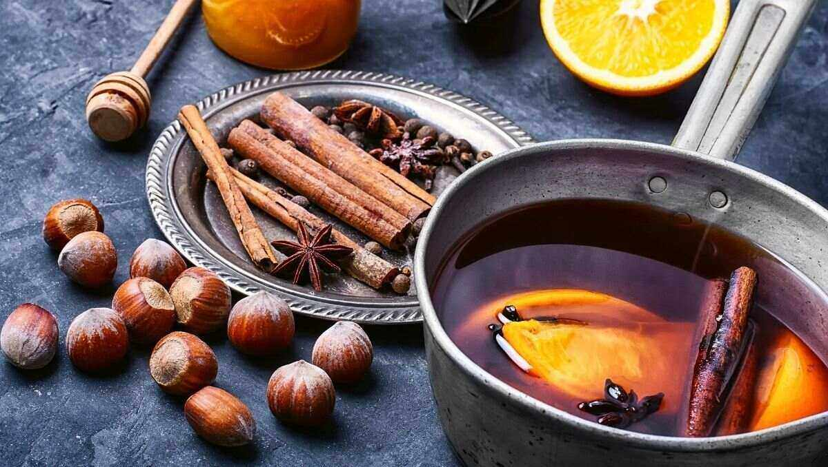 Christmas syrup mulled wine