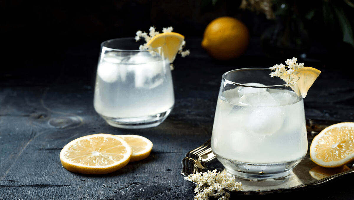 Gin Sour and lemon garnish