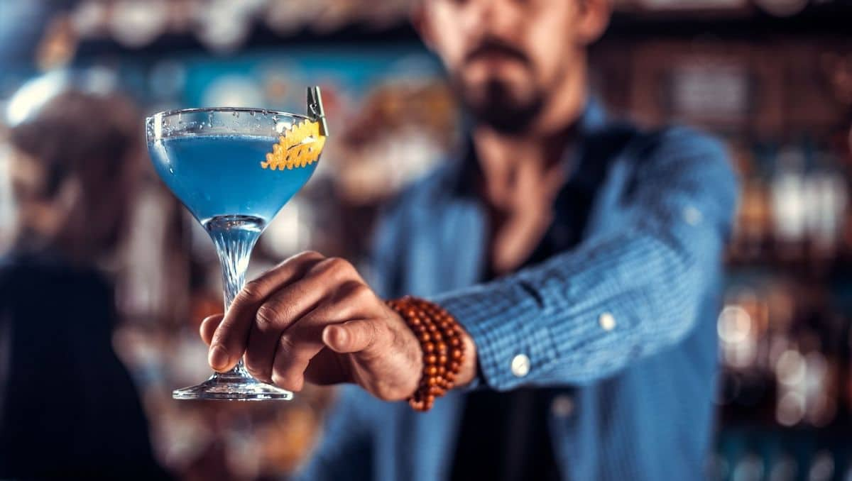 Qualifications to be a bartender