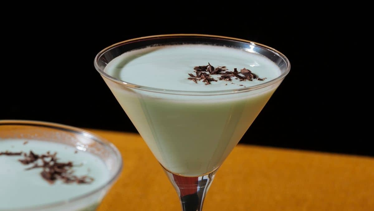 Grasshopper drink with shaved chocolate