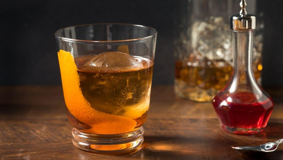 Vieux Carré and bitters