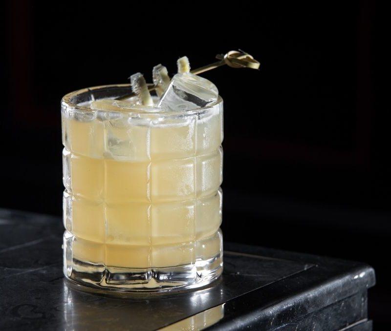 Penicillin cocktail with garnish